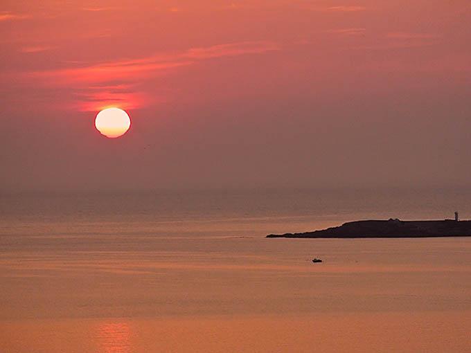 Foto playa Barreira. Crepúsculo rojo