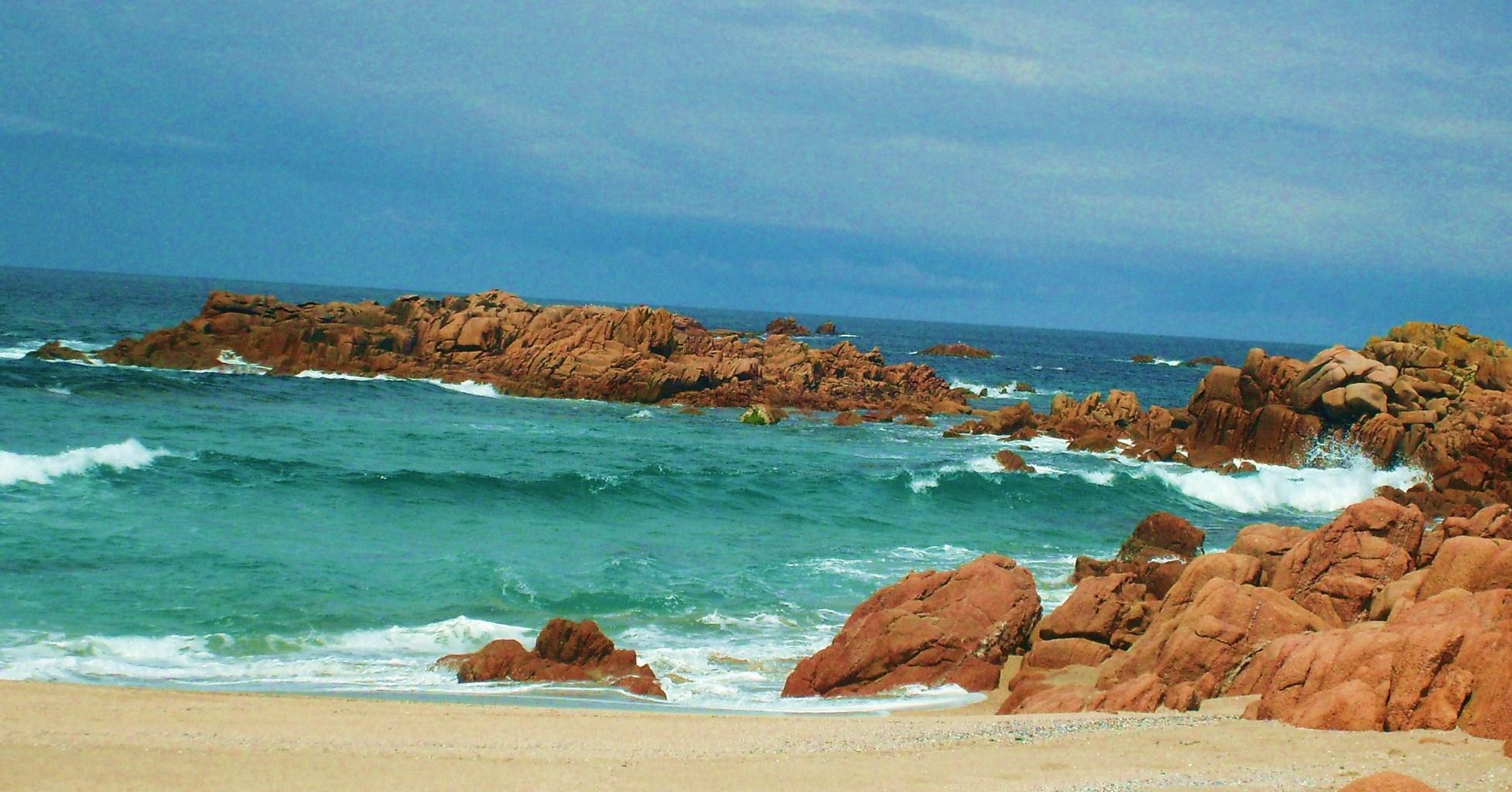 Foto playa Area Longa / Area Grande. Aguas turquesas en la playa