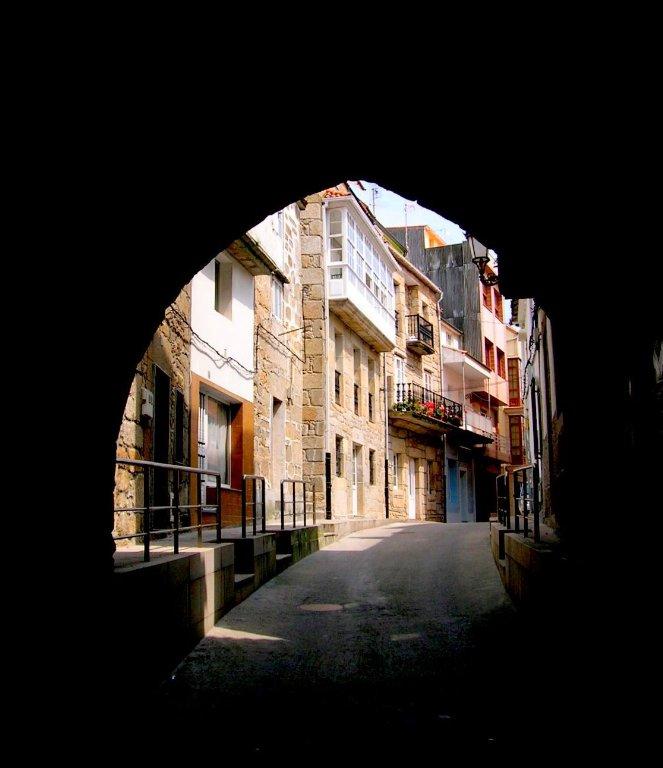 Foto playa Laxe. (MG) Arco Calle Real, Costa de Morte, Laxe, A Coruña