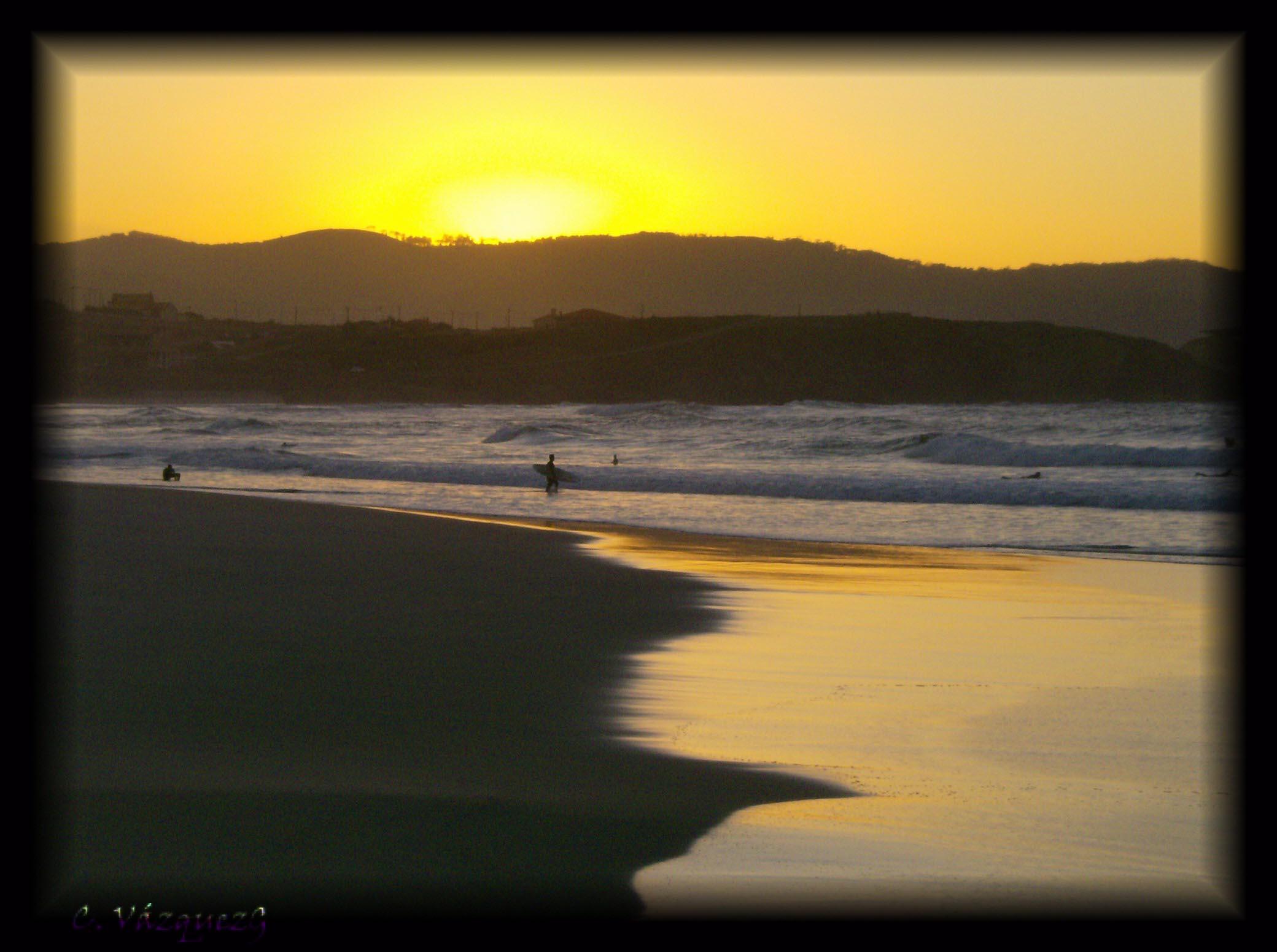 Foto playa Sabón / Alba. Pasión por volar sobre las olas / Passionate waves hunters