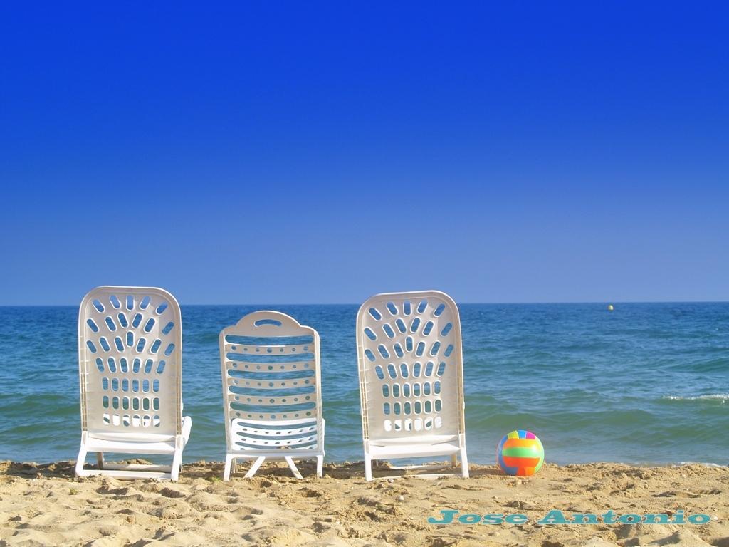 Foto playa La Bota. Vacias