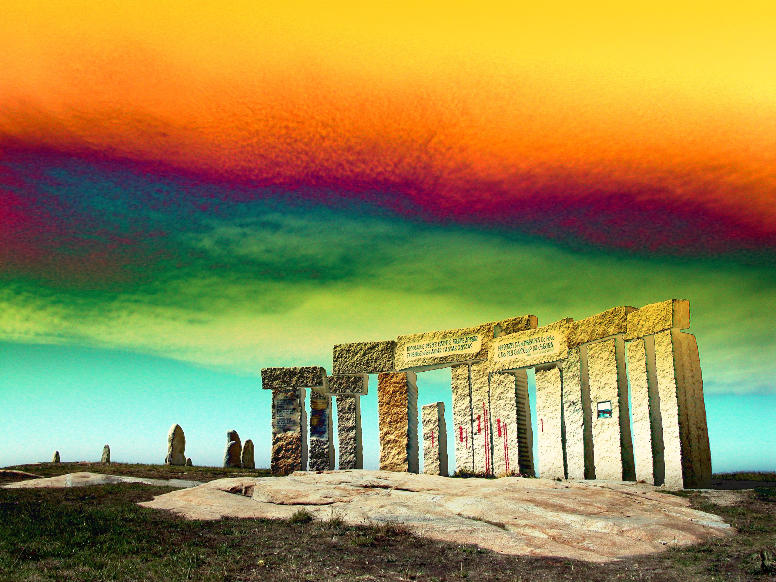 Foto playa San Amaro. Monumento a los fusilados por las hordas franquistas-fascistas,