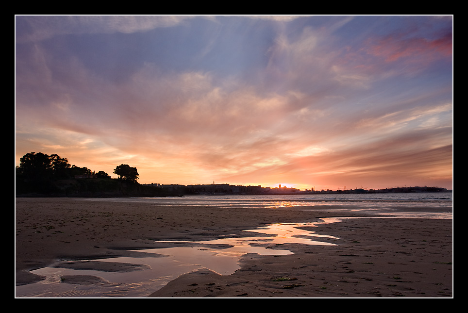 Foto playa Bastiagueiro. Puesta del sol en Bastiagueiro