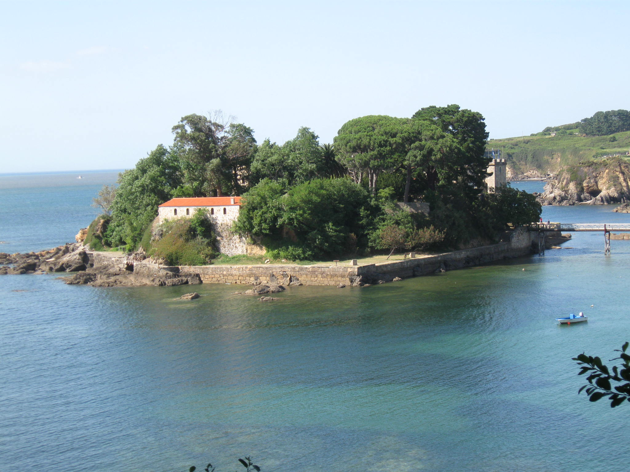 Foto playa Bastiagueiriño. Castillo de Santa Cruz (Oleiros)