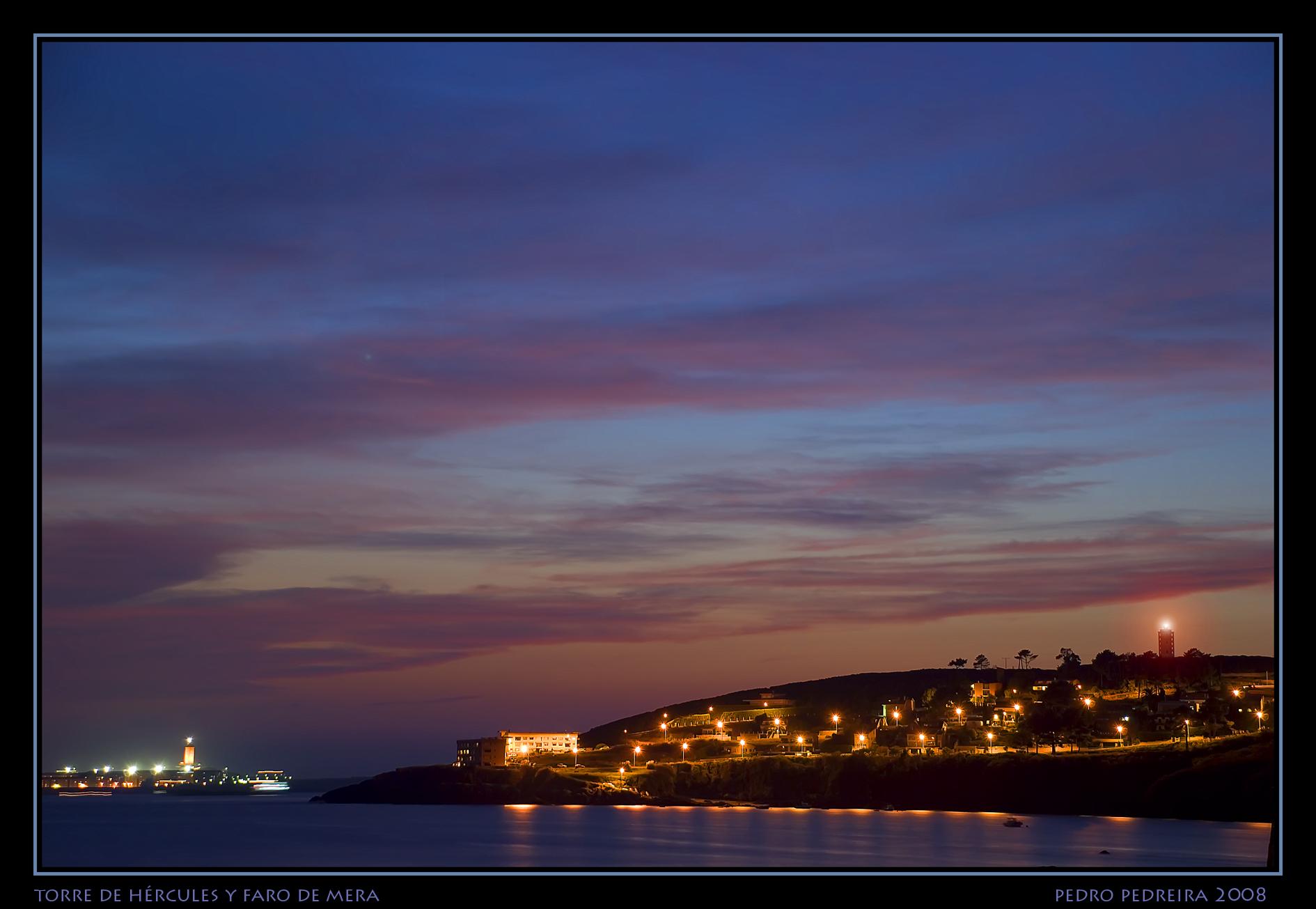 Foto playa Mera. Señales de luz. Nocturna
