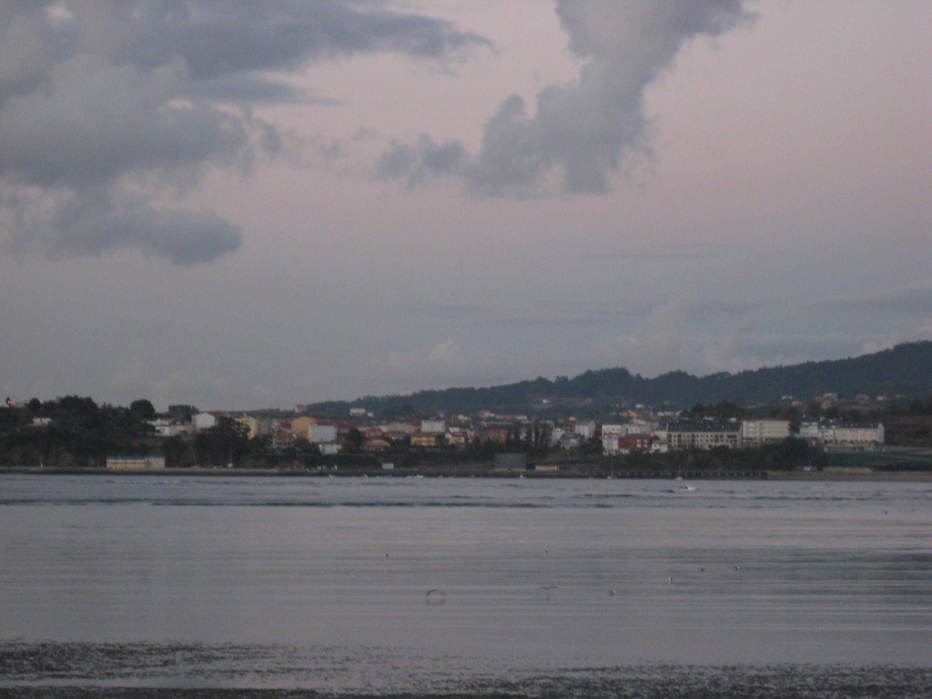 Foto playa El Pedrido. Anochece en la ría