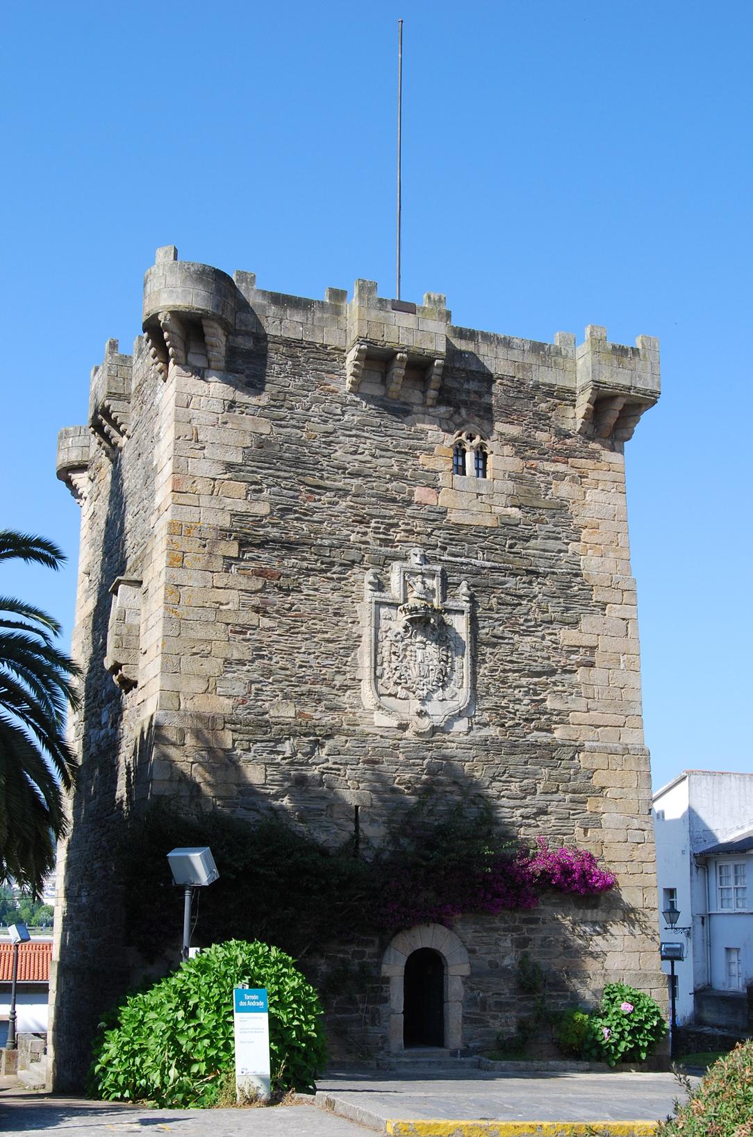 Foto playa La Madalena / Cabanas. Torre del homenaje.