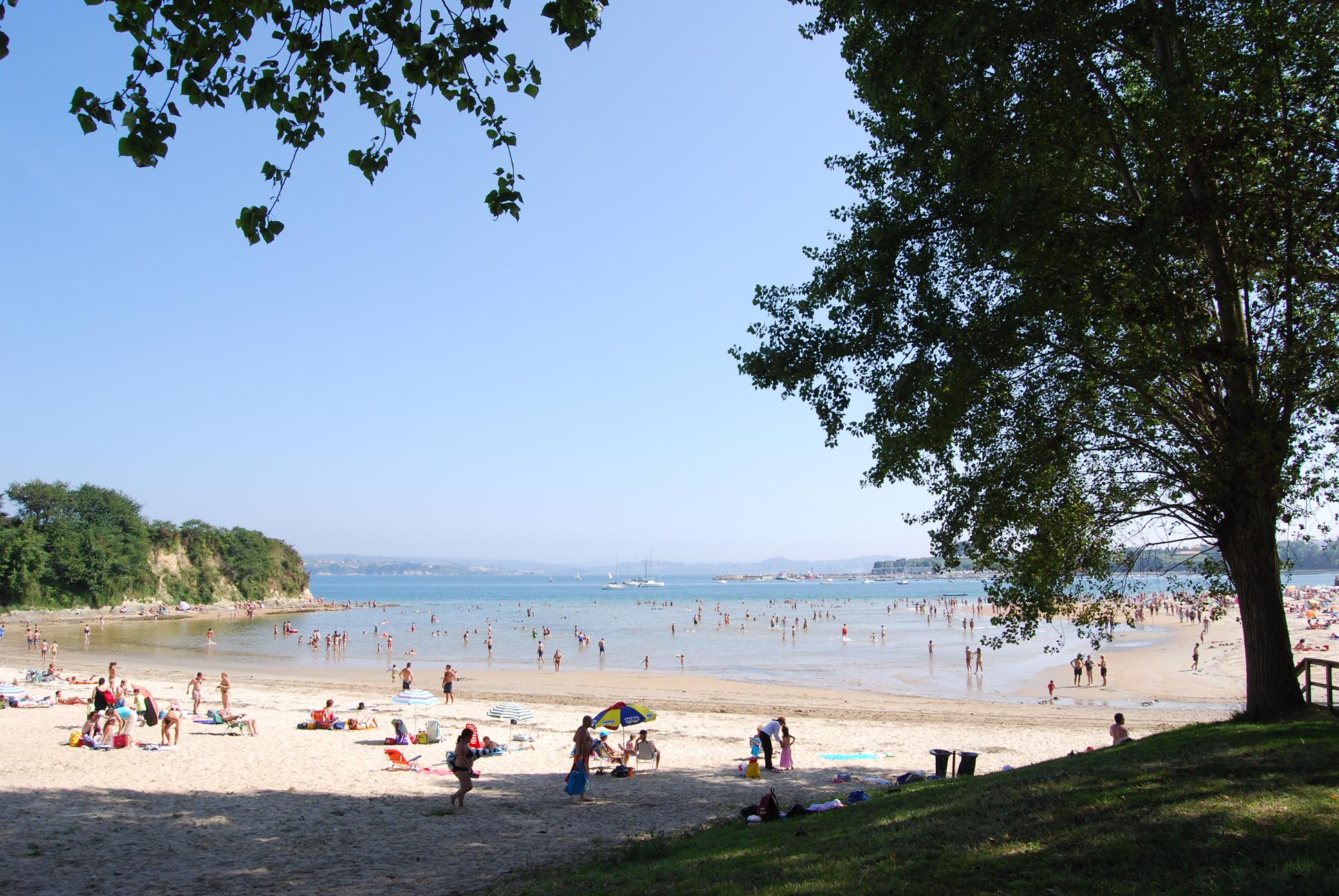 Foto playa Seselle. Playa de Ares, desde la arboleda.