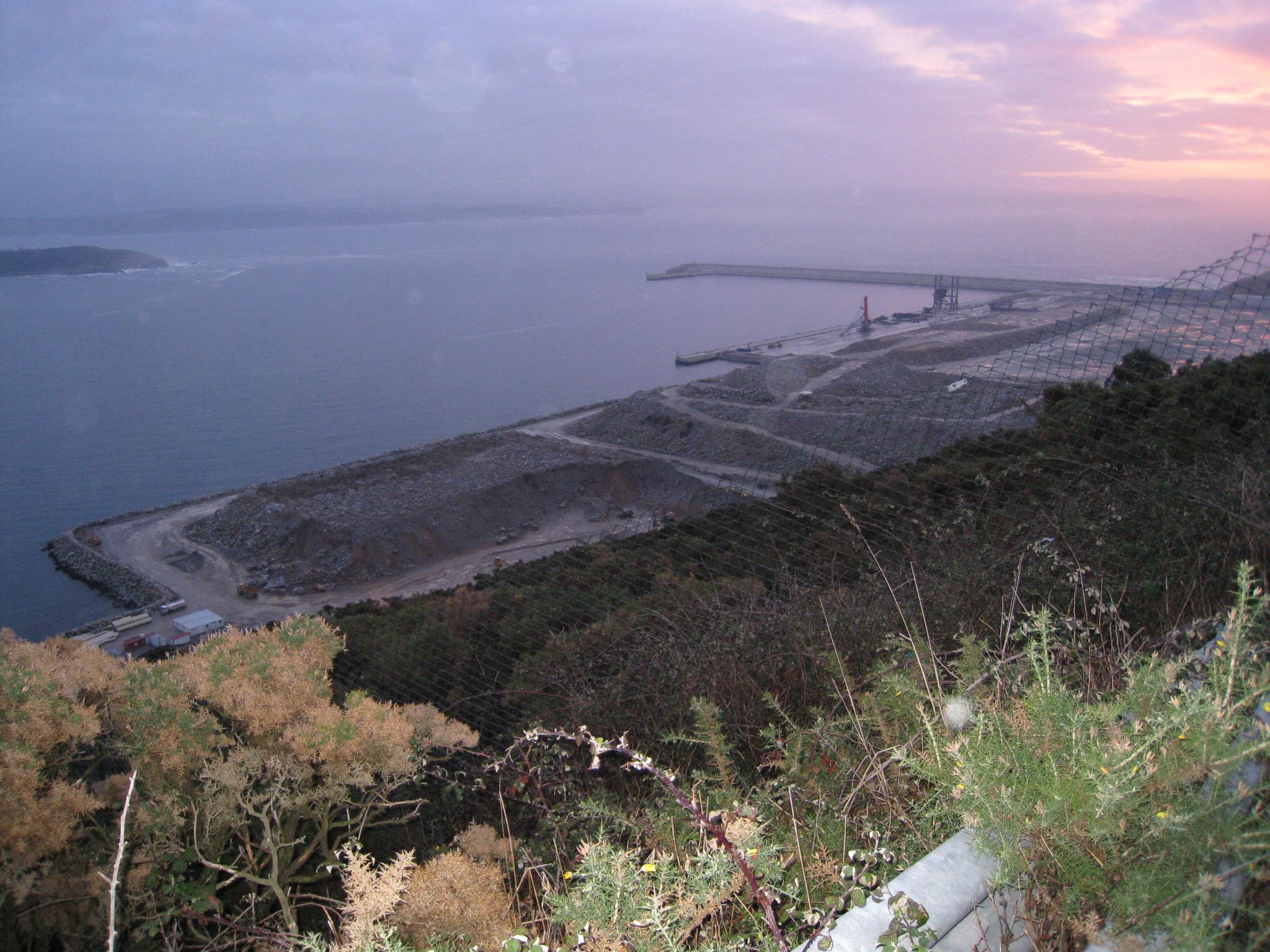 Foto playa Cariño. Puerto exterior