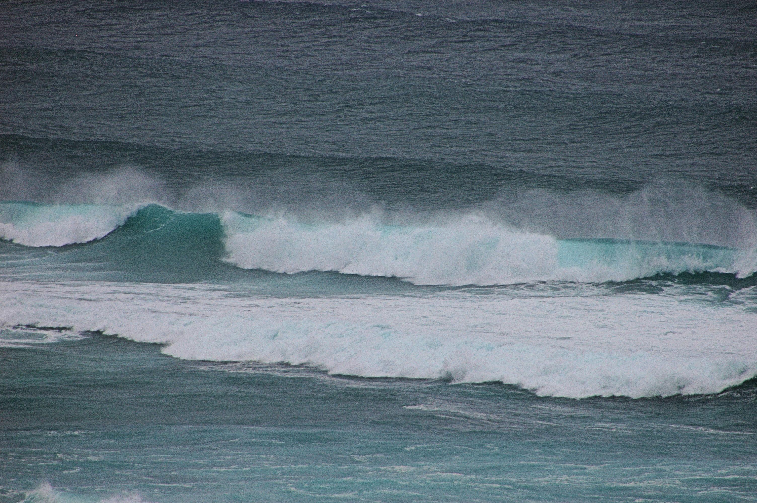Foto playa Fragata. olas en la playa de covas