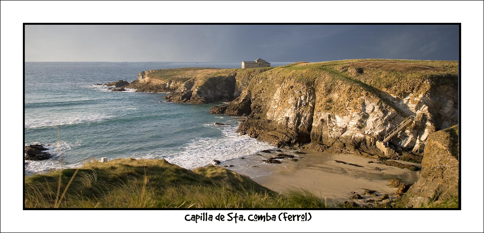 Foto playa As Fontes. Ermita de Sta. comba