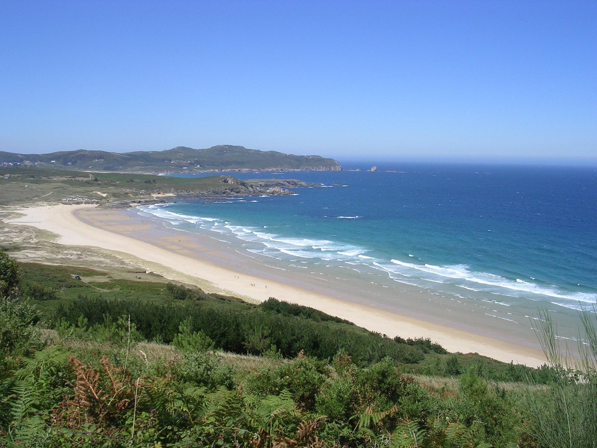 Foto playa Ponzos. Ponzos, Sta. Comba y al fondo Os Cabalos
