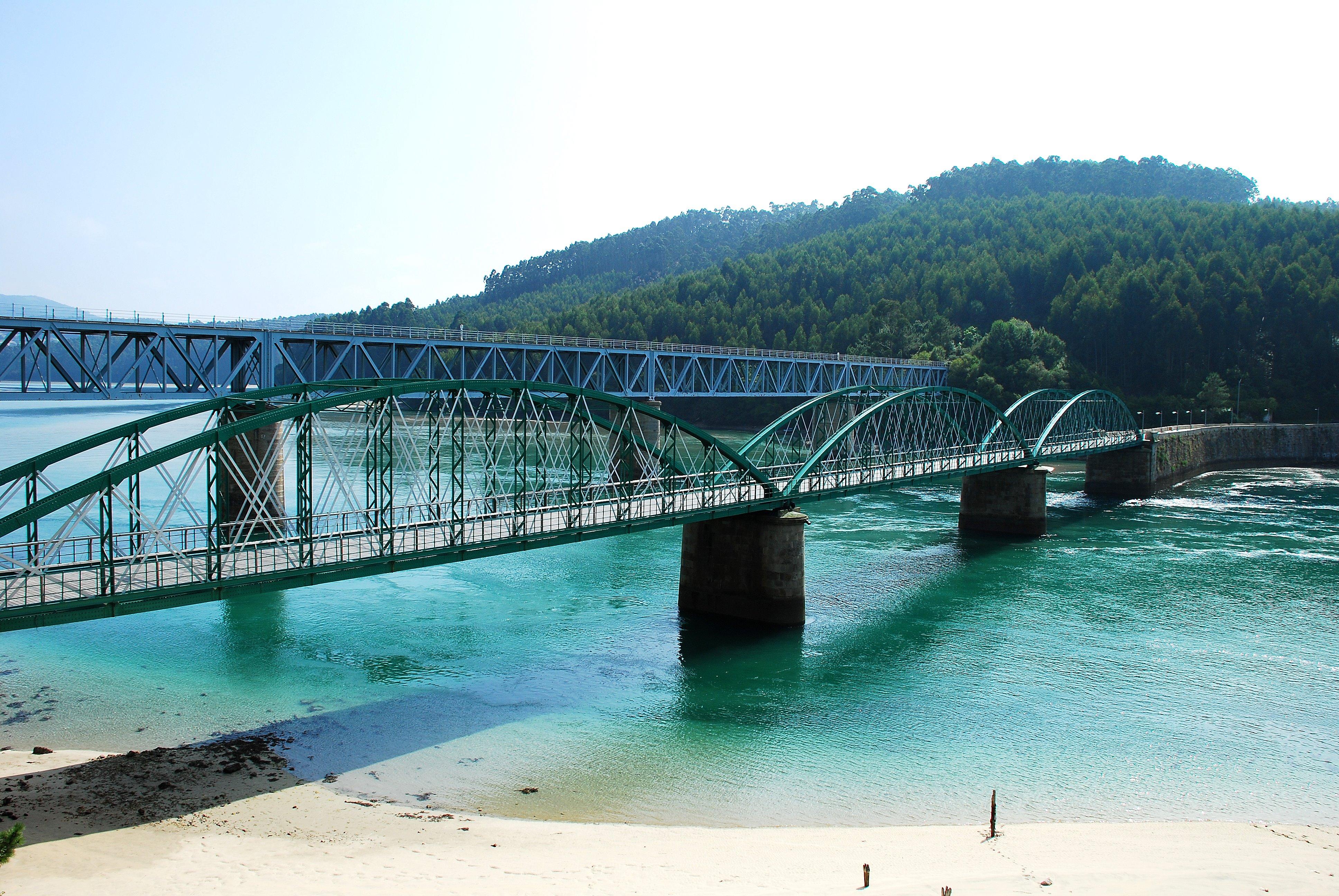 Foto playa Arealonga. Antiguo Puente del Barquero Galicia Lugo España