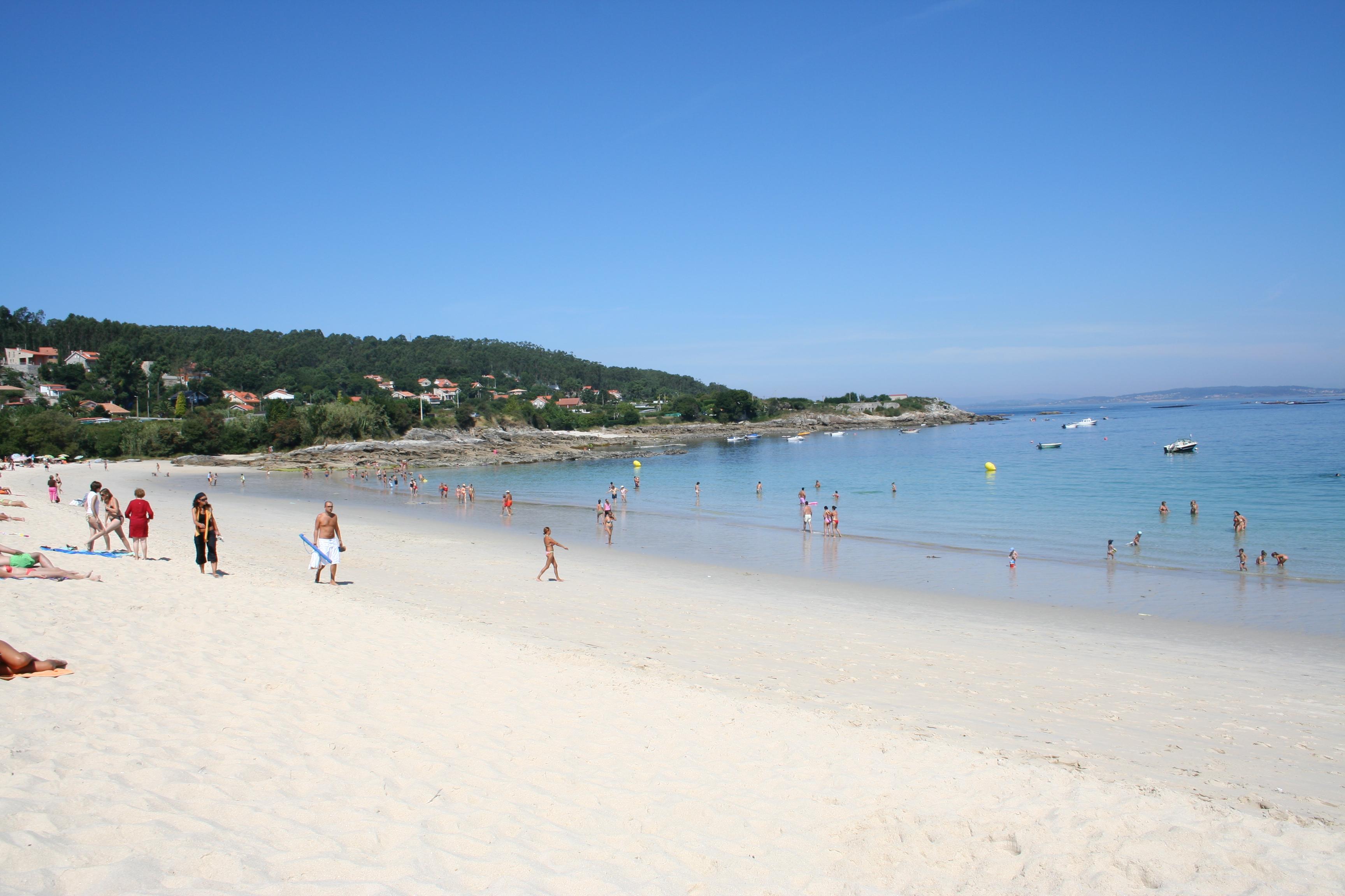 Foto playa Area Brava / Os Alemáns / Alemanes. Area Brava con marea viva baja