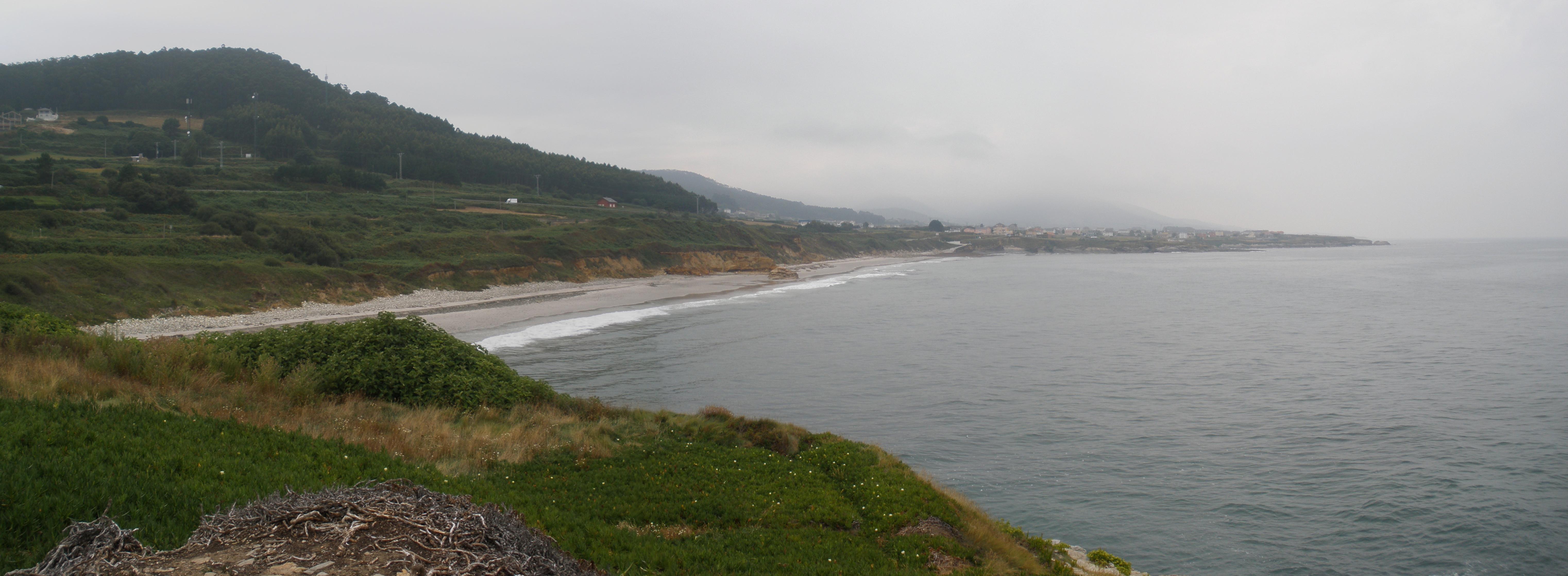 Foto playa Orxal. Panoramica de la playa de Arealonga desde el castro