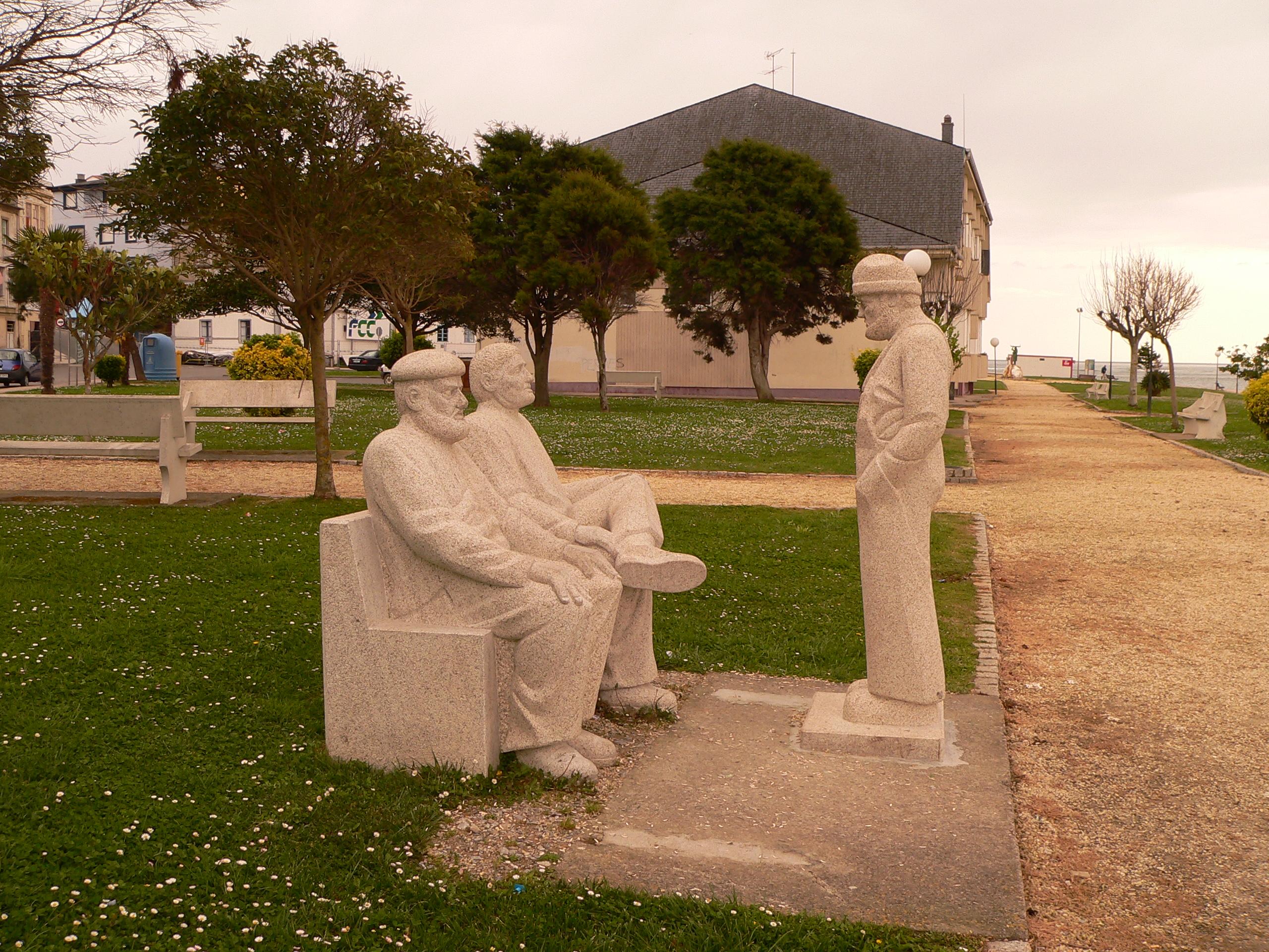 Foto playa Llás. Foz Monumento al Recuerdo del mar