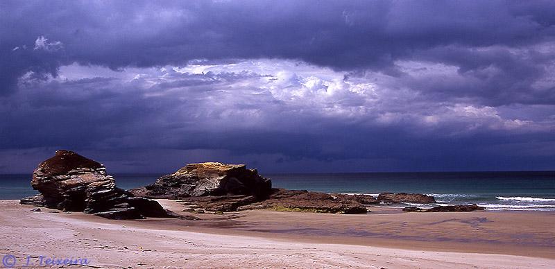 Foto playa San Pedro / Valea / Coto. NUBES DE TORMENTA EN LA COSTA LUCENSE