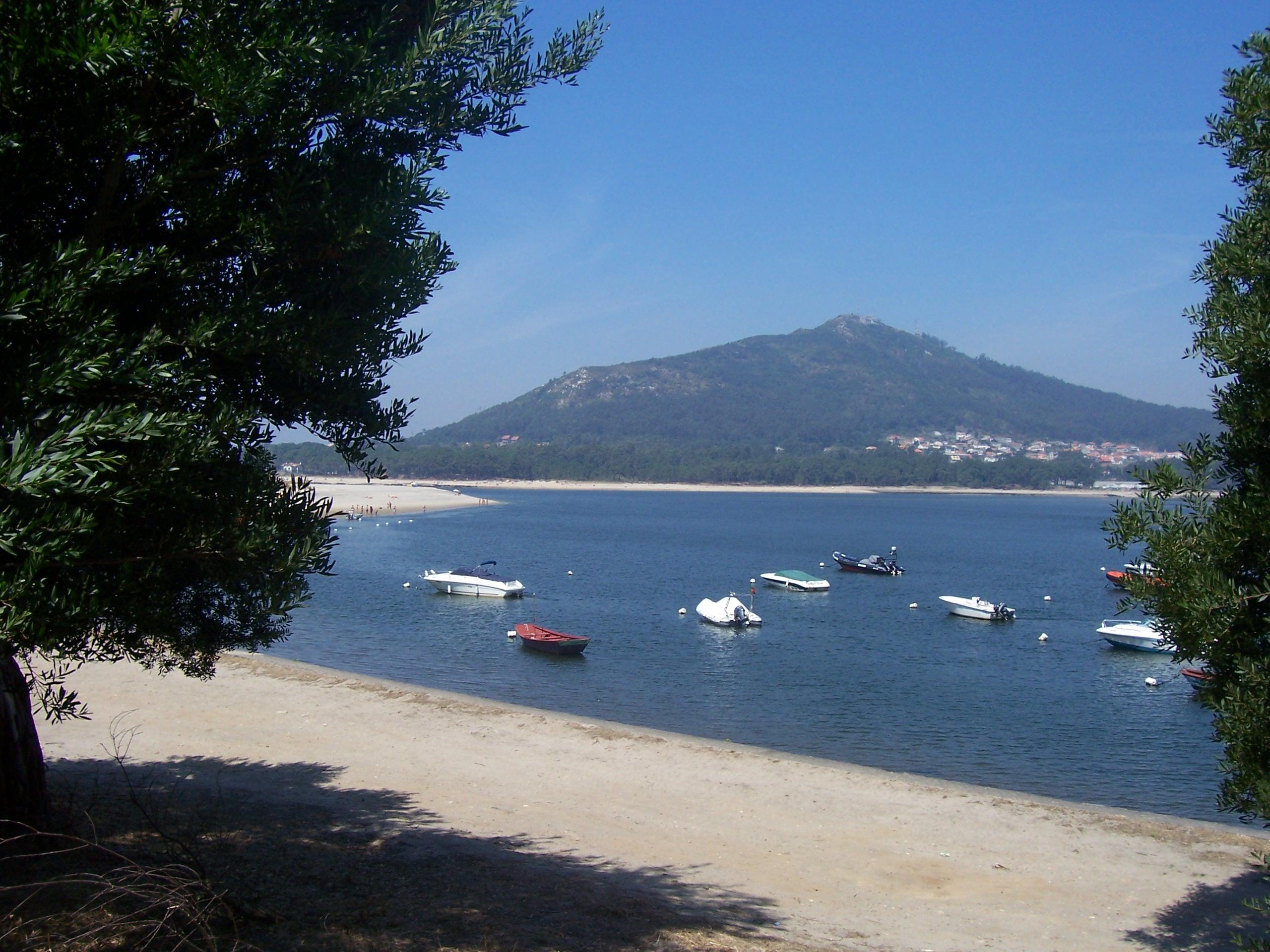 Foto playa A Armona. Vista da foz do Minho, Santa Trega e Camposancos (A Guarda) desde Caminha
