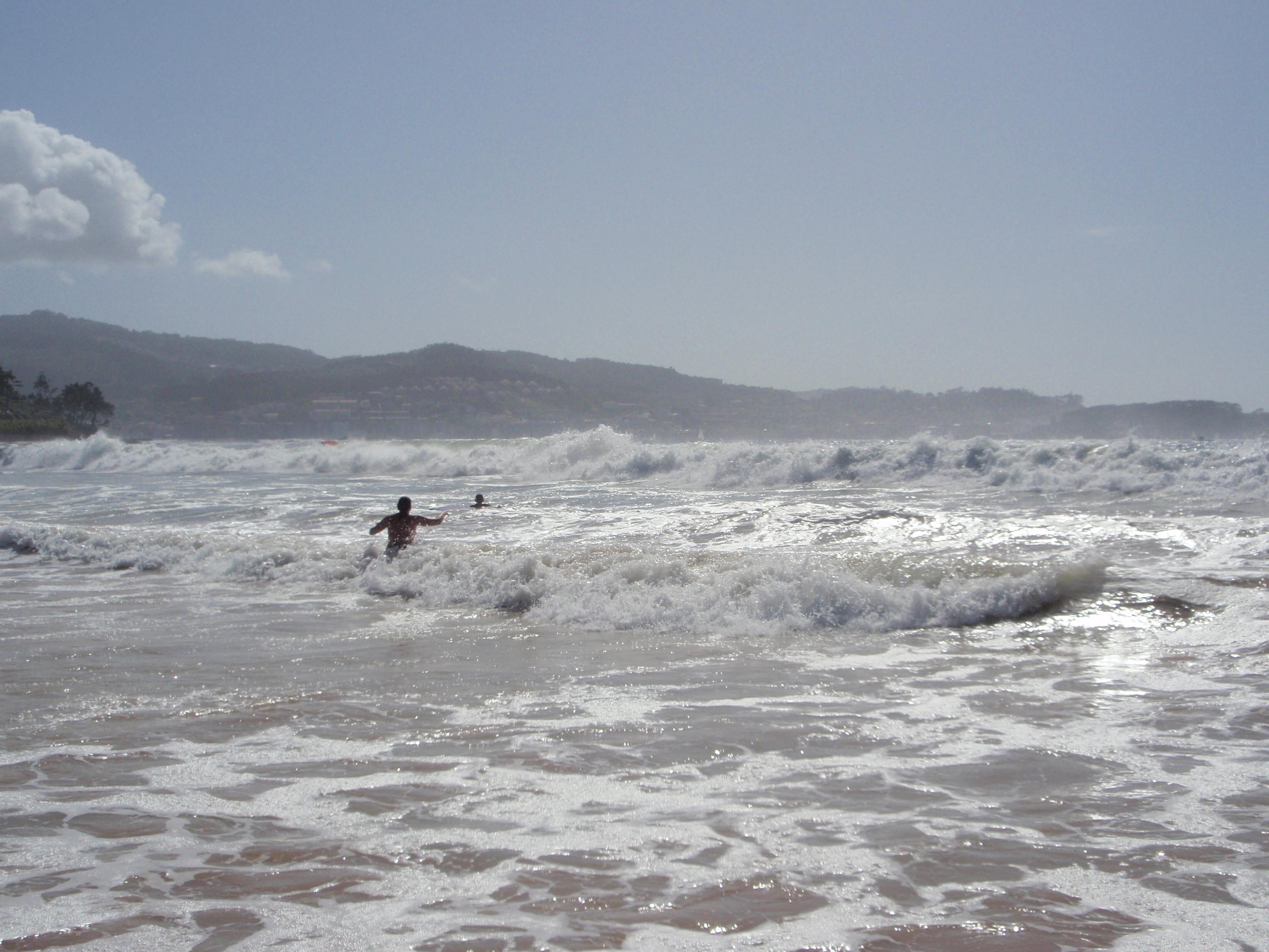 Foto playa América. dia de olas en playa america