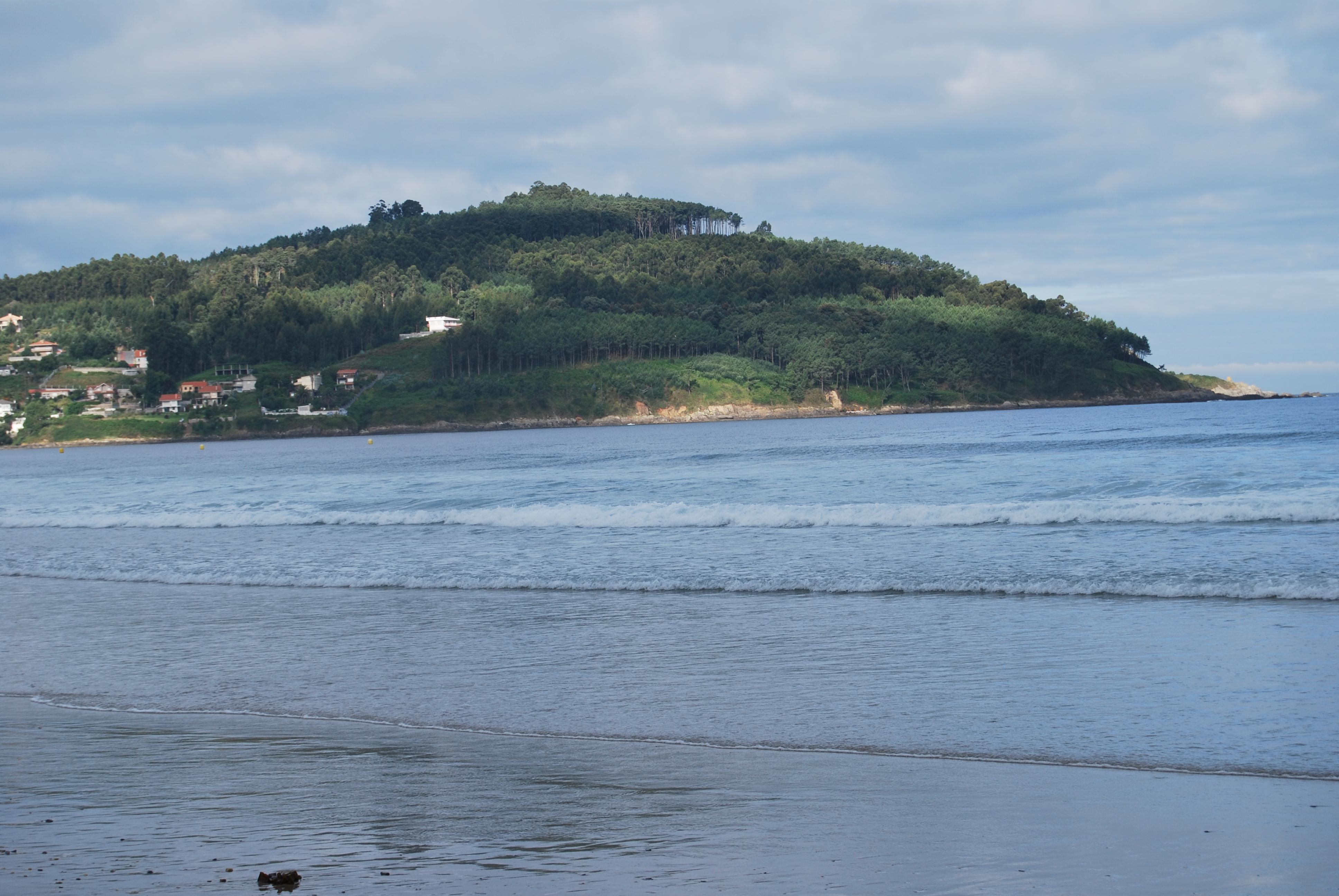 Foto playa Patos / Playa de Prado o As Canas / Playa de Abra. Monte Ferro desde la playa de Canido