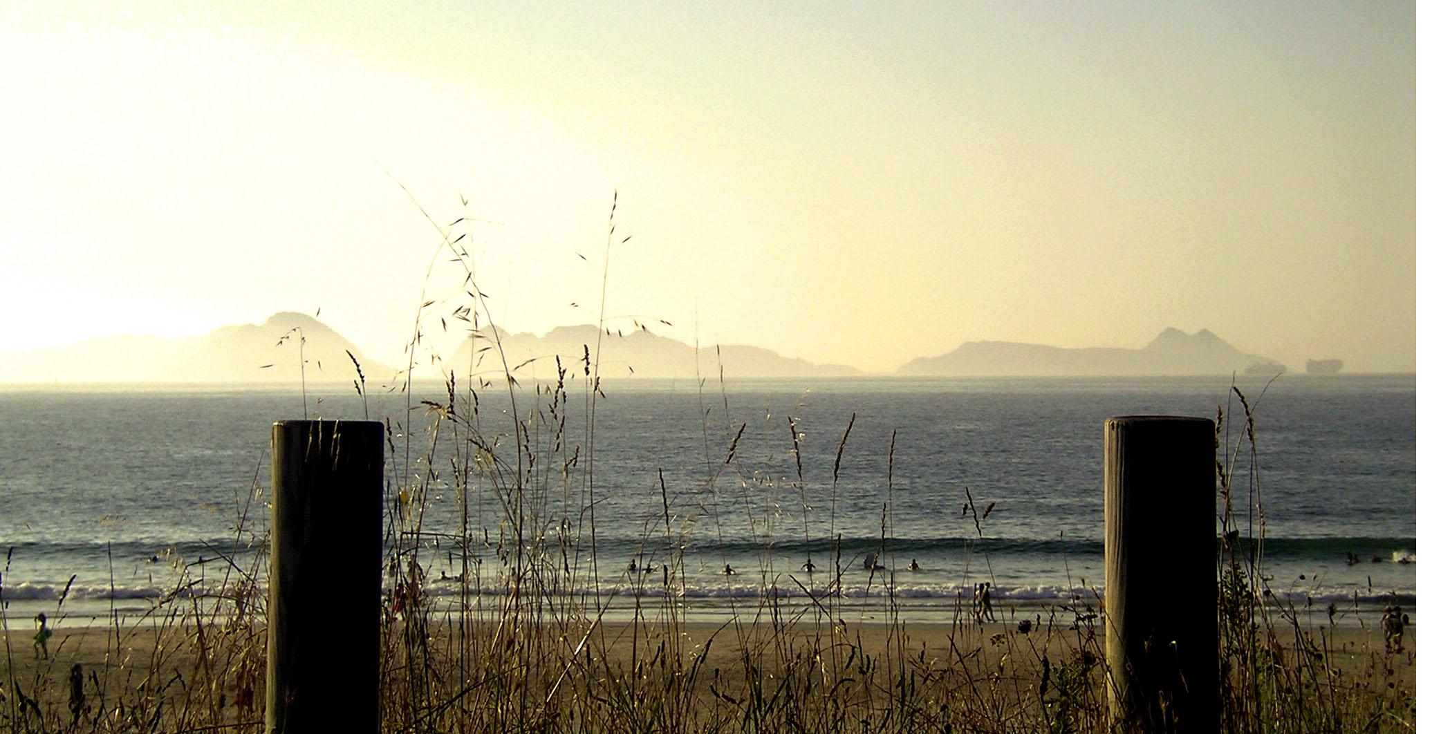 Foto playa Patos / Playa de Prado o As Canas / Playa de Abra. bruma nas Cíes