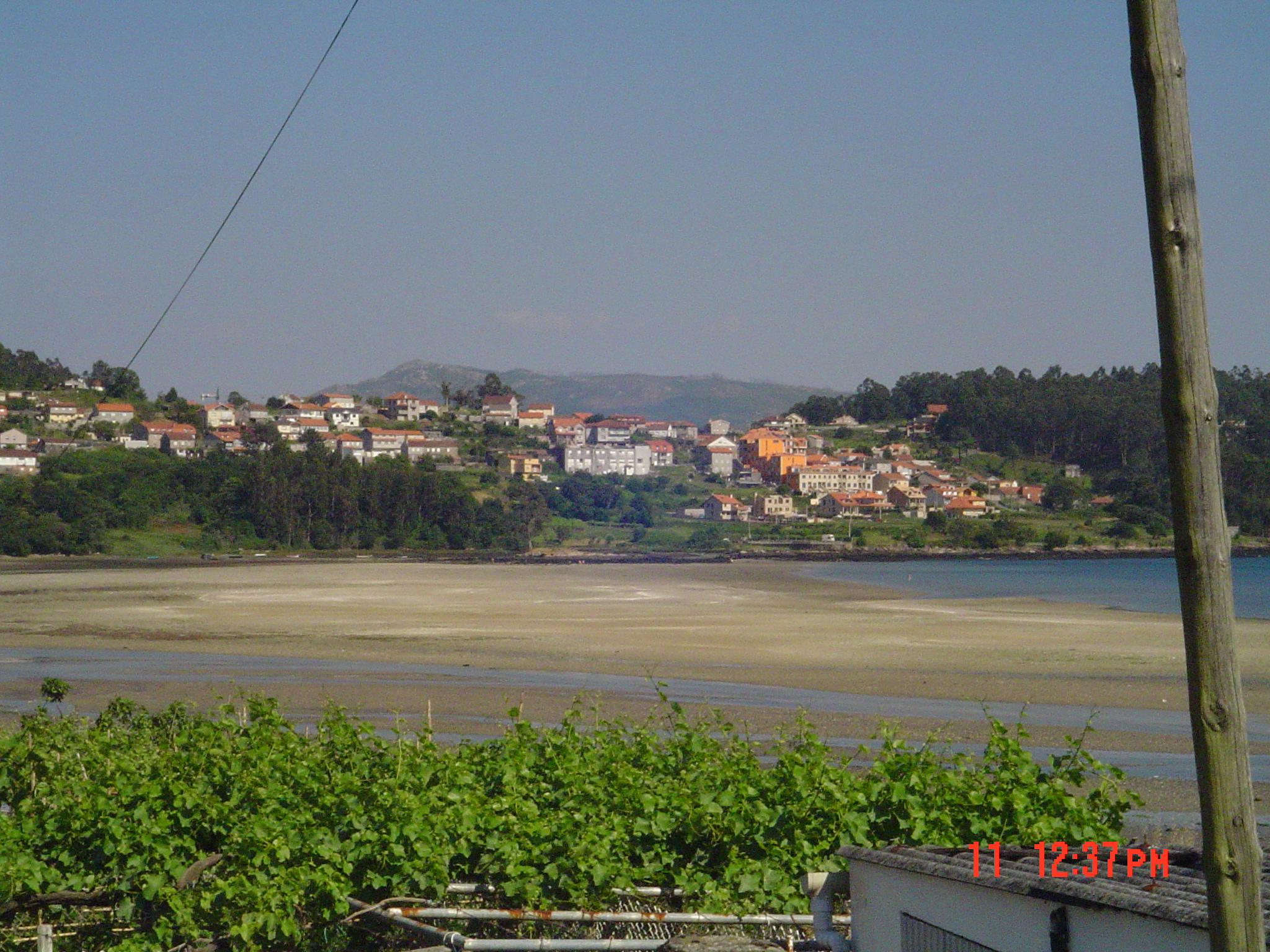 Foto playa San Martiño. Tomando la Costa ,hacia Combarro