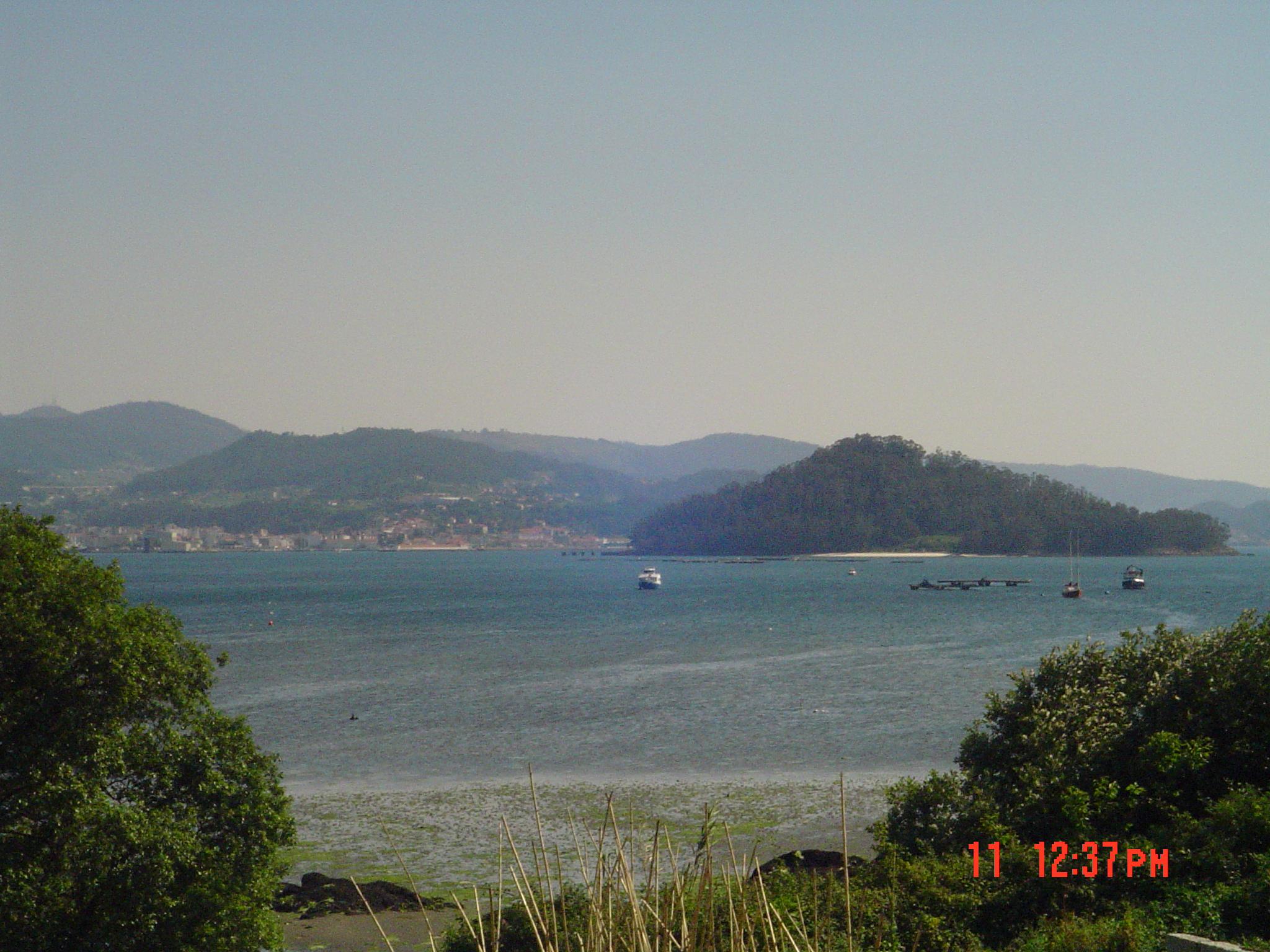 Foto playa San Martiño. Isla de Tambo camino a Combarro