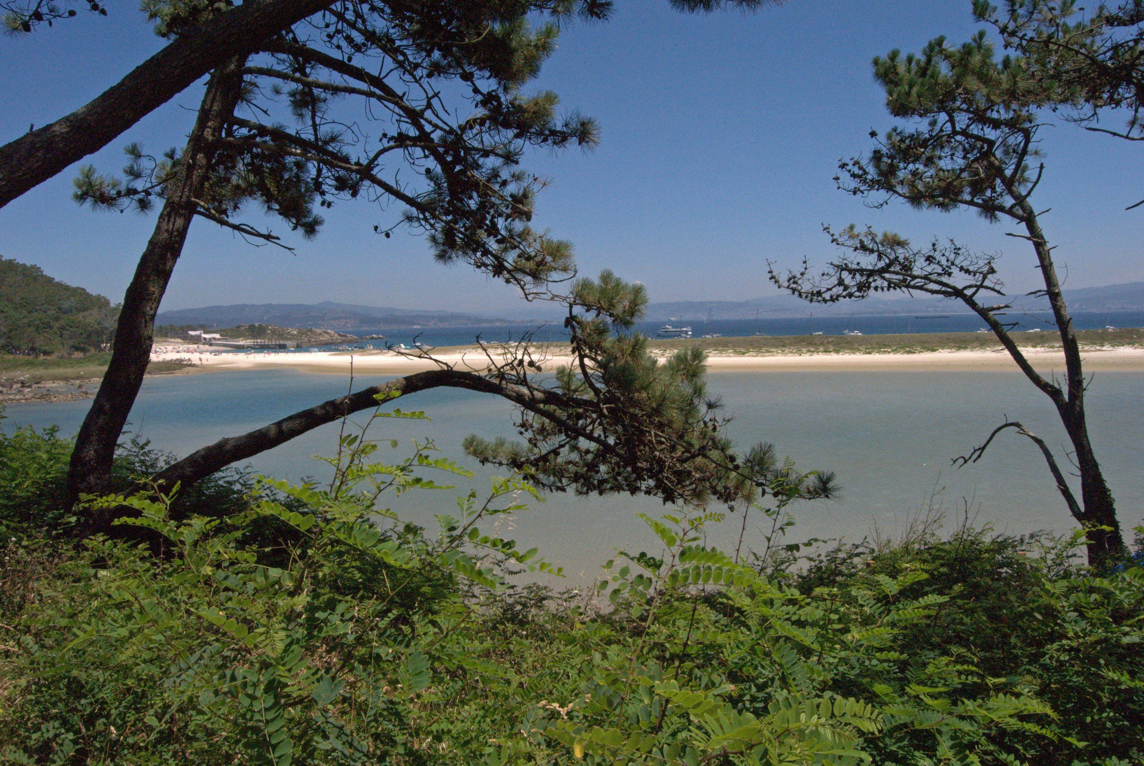 Foto playa Rodas. PARADISE