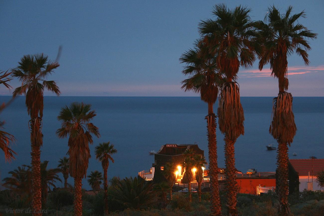 Foto playa Punta Grande. Anochecer en el Hotel Punta Grande / Evening at Punta Grande Hotel