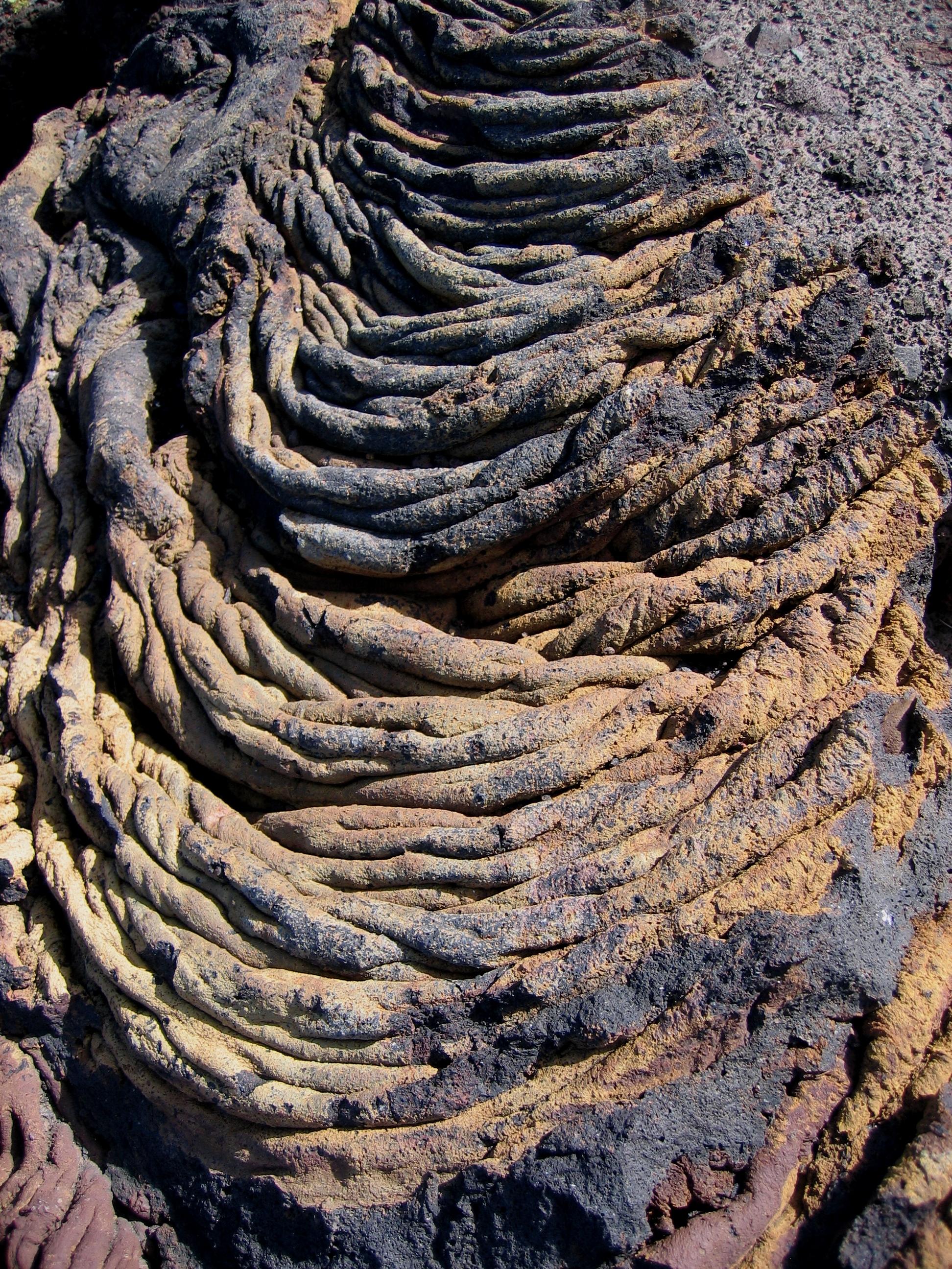 Foto playa Charco Azul / Los Llanillos. Volcanic rocks near Charco Azul