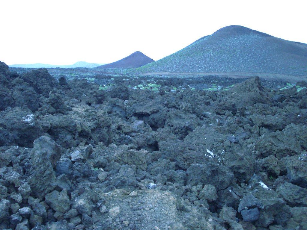 Foto playa Puerto Naos. Volcanic landscape - La restinga