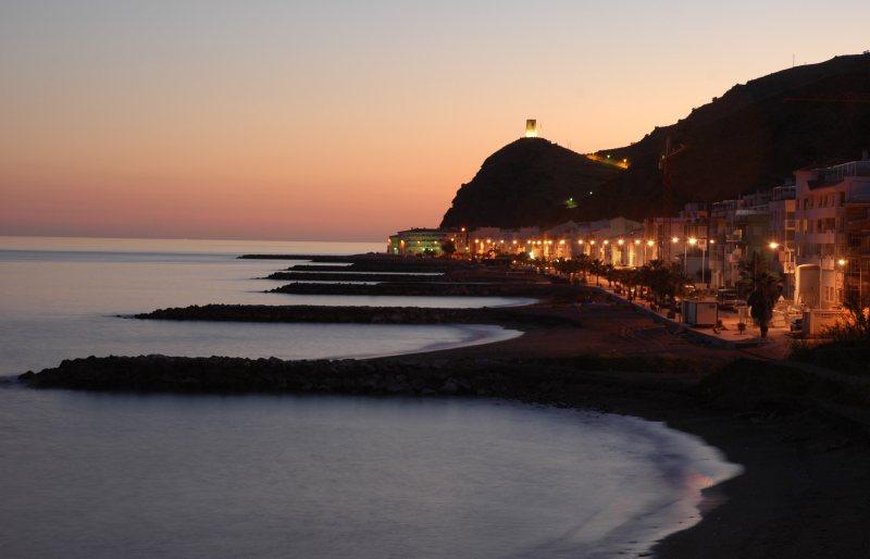 Foto playa Los Yesos. mamola_luz