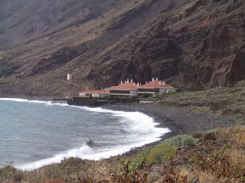 """Foto playa Las Playas. IMPRESIONANTE SITUACIÃ""""N  DEL PARADOR DE TURISMO DE EL HIERRO"""