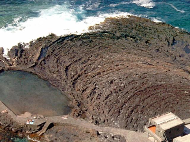 Foto playa Pozo de las Calcosas. erstarrte Lava