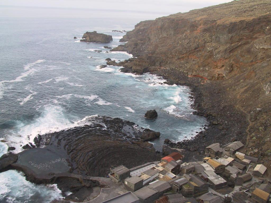 Foto playa Pozo de las Calcosas. EL POZO DE LAS CALCOSAS