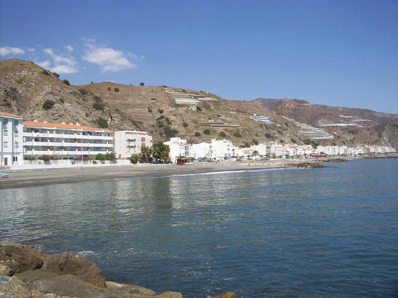 Foto playa La Mamola. La Mamola