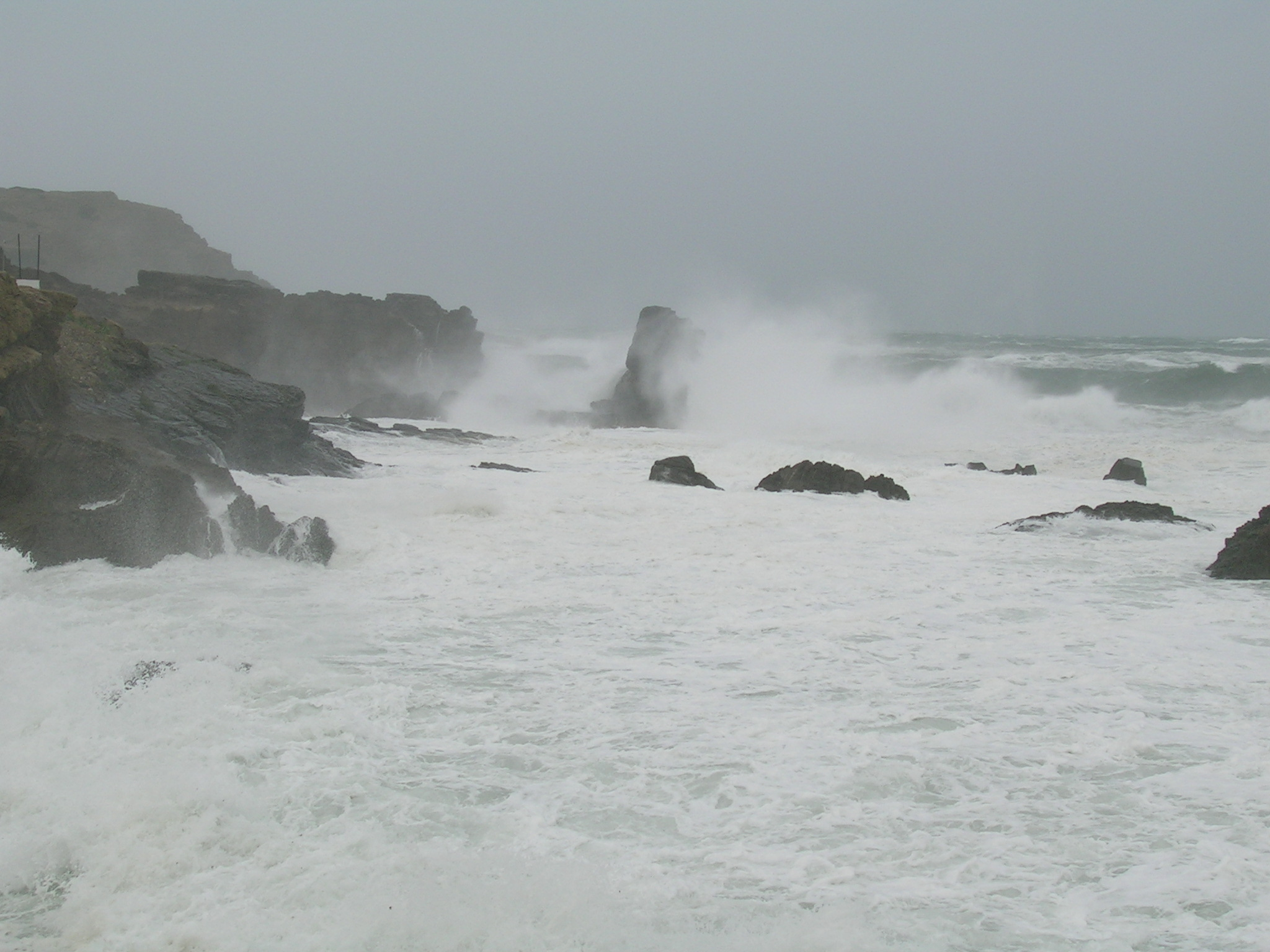 Foto playa Cala es Murtar. Mar de invierno en Sa Mesquida
