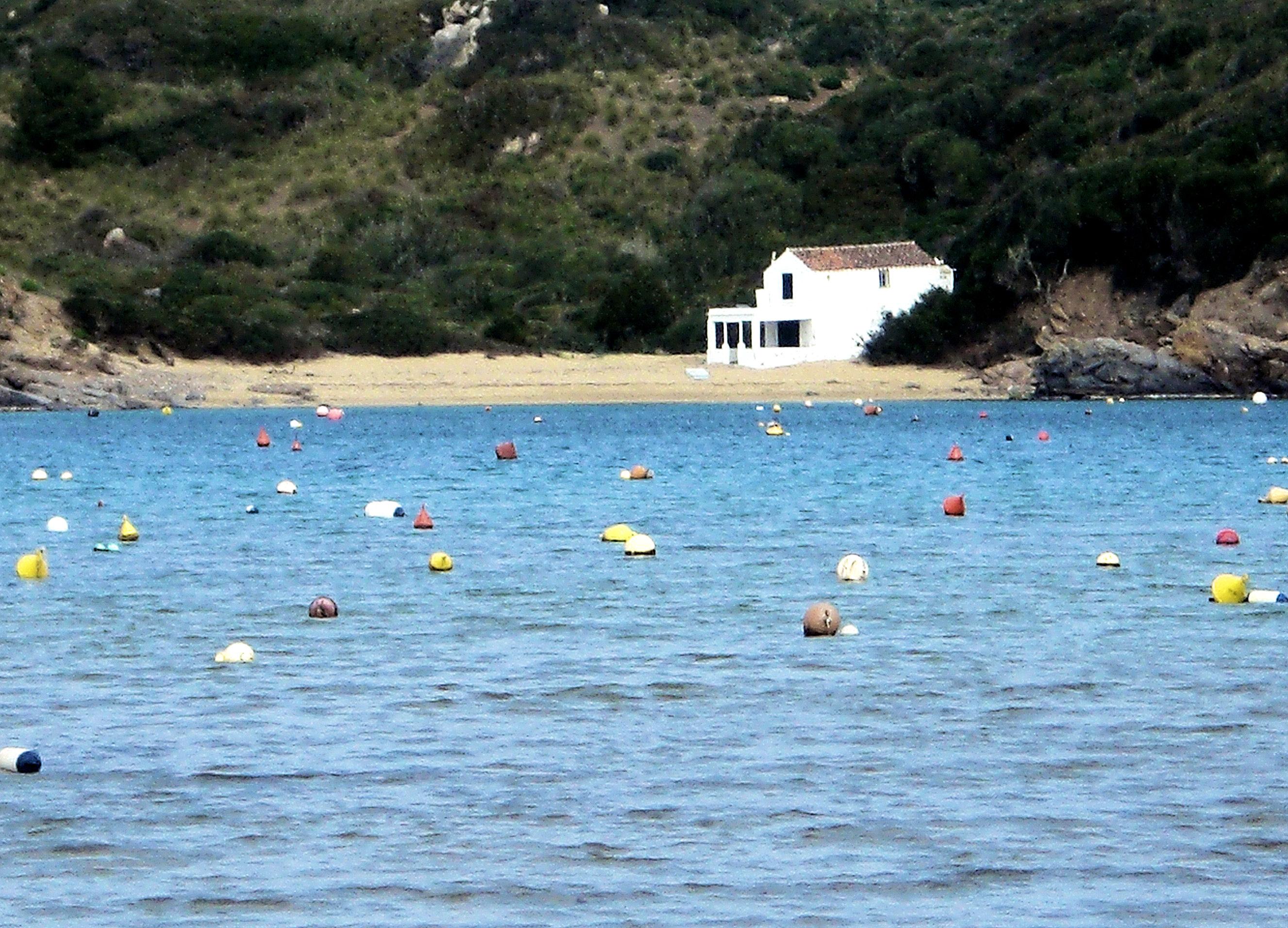 Foto playa Es grau. CASA DE LOS LACASITOS..