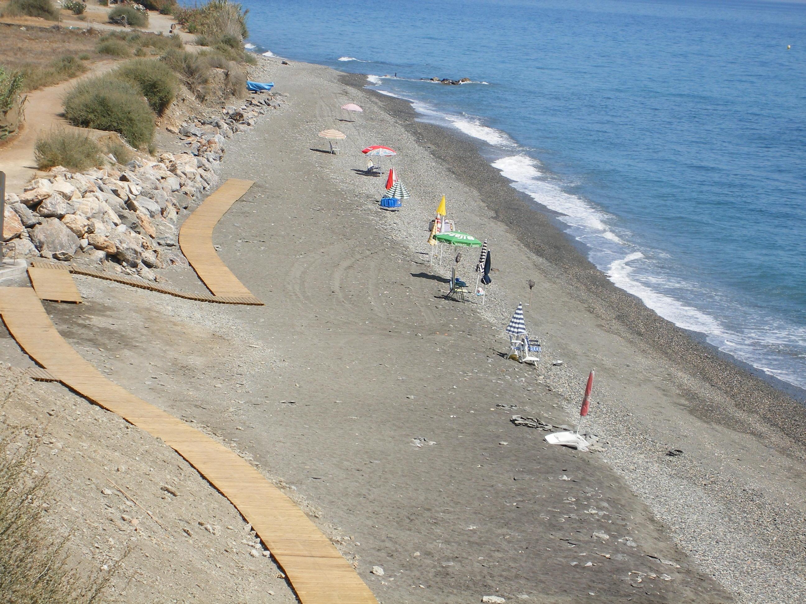 Foto playa Casarones. Playa de CASARONES, Granada.(Menez)